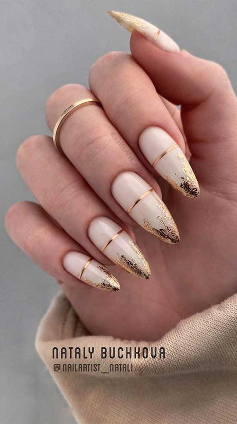 We're entering a new year and heading to a new season. A season of soft, romantic and feminine , it's a spring season. Best Acrylic Nails, Summer Acrylic Nails, Shellac Nail Art, Almond Acrylic Nails, Nail Polish, Acrylic Nail Art, Nail Manicure, Diy Nails, Romantic Nails