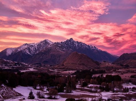 Here's a new photo of the sunrise a few mornings ago here in Queenstown. #TreyRatcliff #Sunrise #Queenstown #NewZealand #Landscape