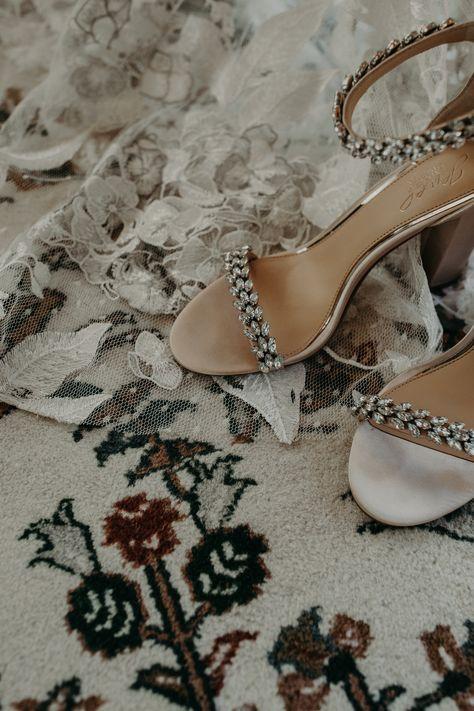 Lambs Hill Micro Wedding Venue- Hudson Valley Wedding #rusticwedding #weddingphotography #microweddingny #hudsonvalleywedding #upstatenywedding #mountianwedding #rusticweddinginspo #weddingdecor #microweddingvenue #beaconny