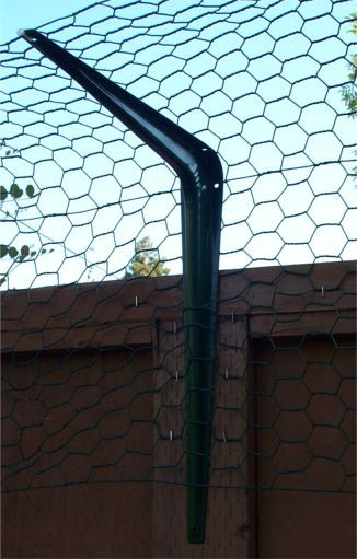 Chicken Wire Fencing Example in dimensions 1019 X 1596 Angle Brackets For Chain Link Fence - PVC should you desire the appearance of a wood fence, but not Cat Fence, Dog Proof Fence, Outdoor Cat Enclosure, Reptile Enclosure, Mini Farm, Cat Room, Outdoor Cats, Hobby Farms, Farm Gardens
