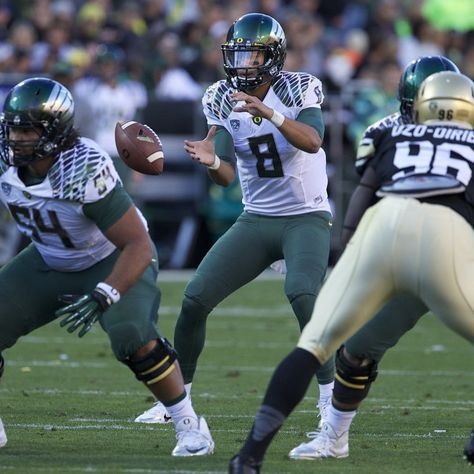 Oregon Football On Instagram Throwback To These Uniforms The Ducks Wore Against Colorado In 2013 Scoducks In 2020 Oregon Football Football Sports Injury Prevention