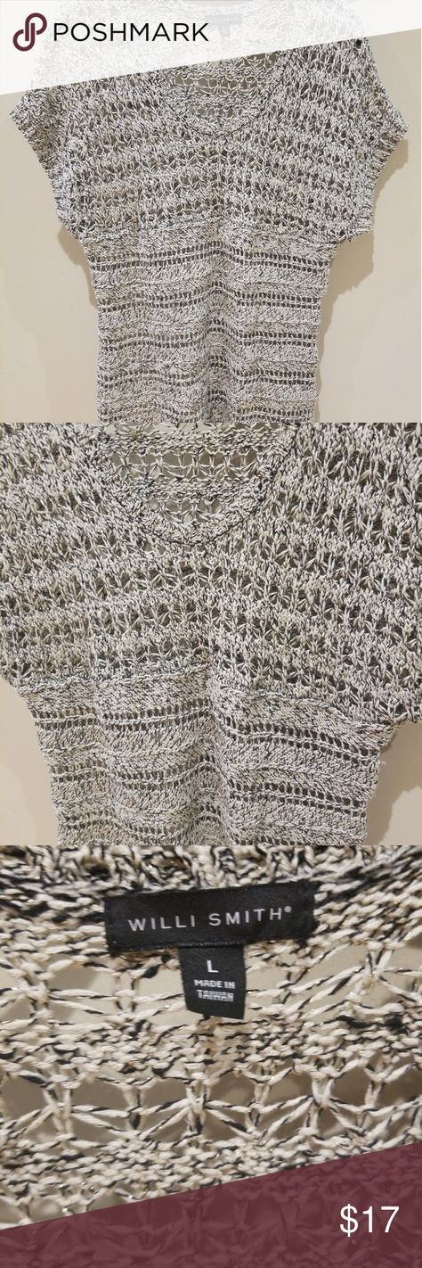 Willi Smith sweater Willi smith open hole sweater size large short Sleeve metallic. Guc smoke free home. Item described with my opinion. See photos as they are a part of description Willi Smith Sweaters V-Necks