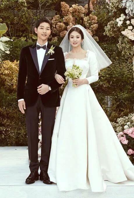 ソン ヘギョのウエディングドレスはディオールで指輪はショーメ ブーケの値段は100万円 スギサク見聞録 ウェディング 白いウェディングドレス 韓国の結婚式