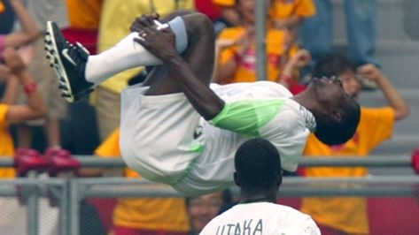 Football World Celebrates Nigeria Legend Aghahowa At 38 In 2020 Soccer News Espn Soccer Latest Football News