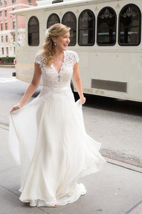 Used Reem Acra Gorgeous Girl Wedding Dress Size 6 2 250 Wedding Dresses For Girls Used Wedding Dresses Wedding Dresses For Sale