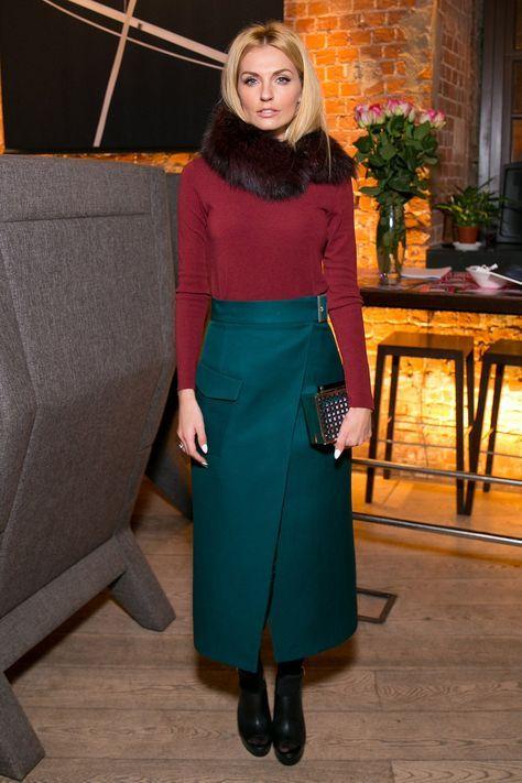 How to wear: red crew-neck sweater, dark green maxi skirt, black