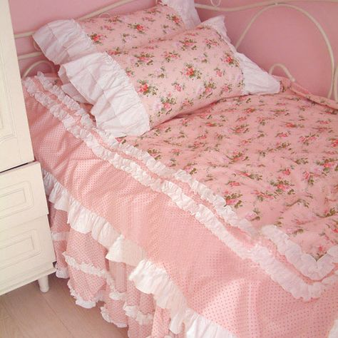 New Shabby Chic Pink Bedroom Girly Pastel Ideas Shabby Chic Pink, Shabby Chic Bedrooms, Shabby Chic Homes, Girls Bedroom, Bedroom Decor, Bedroom Ideas, Fairy Bedroom, Kawaii Room, Aesthetic Room Decor