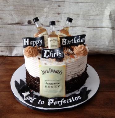 Jack Daniel S Honey Whiskey Birthday Cake With Images Jack