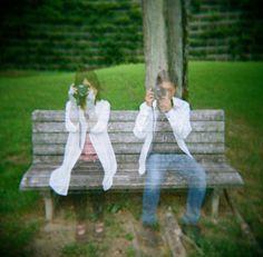 Haz tus objetivos fotográficos transparentes: Como hacer fotos fantasmales. en Trucos en Magazine - Lomography