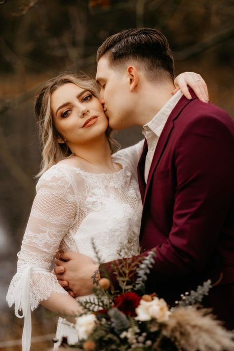 A forest elopement in Scotland with burgundy groomswear and a boho dress | Boho wedding couple | Scotland Wedding | Outdoor Wedding | More inspiration in the article #adventureelopement #scottishelopement #scottishwedding #scotlandelopement #bohooutdoorwedding
