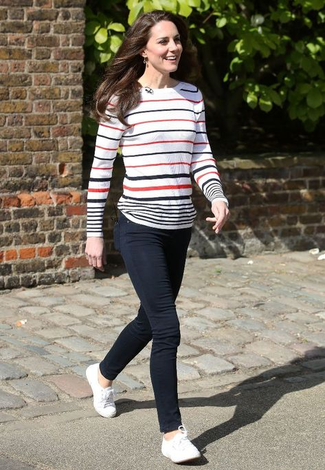 7 Shoe Trends Kate Middleton Never Wears Anymore Kate Middleton has totally outgrown these shoe trends. Are you still wearing them?