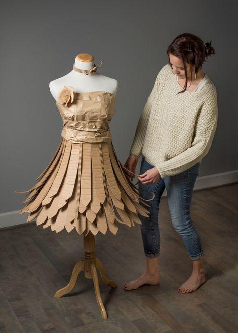 Cardboard Dress - ©AlinesCardboard – 2018