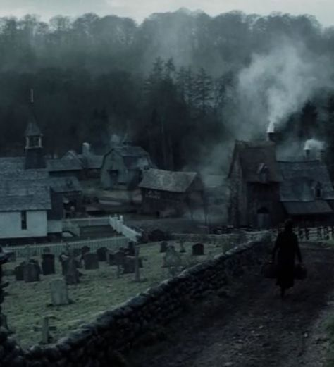 the legend of sleepy hollow, headless horseman, ichabod crane, katrina van tassel, witchcraft Gothic Aesthetic, Slytherin Aesthetic, Claire Fraser, Jamie Fraser, Claire Holt, Medieval, Legend Of Sleepy Hollow, Southern Gothic, Victorian Gothic