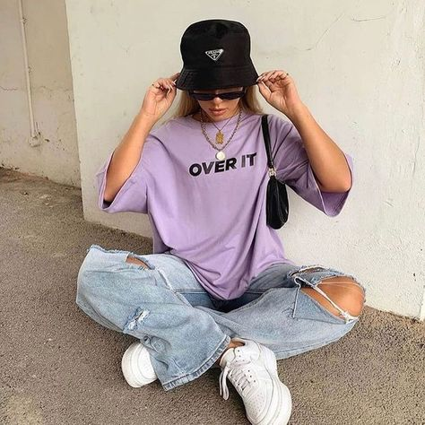 Casual outfit skater e girl vsco look purple paars lila t shirt top prada bucket hat jeans white wit nike air force inspiration more on fashionchick summer outfits ideas cute ideas for summer fashion summer Fashion Mode, Aesthetic Fashion, Grunge Fashion, 80s Fashion, Aesthetic Clothes, Fashion Outfits, 80s Aesthetic, Fashion Images, Aesthetic Grunge Outfit