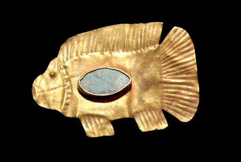 Amulet in the shape of a fish: Datation New Kingdom? Between 1150 and 1069 BC provenance Nubia area Egypt period 2000-1000 BC -