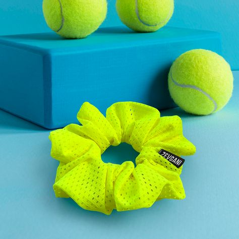 Our handcrafted neon yellow scrunchie is ideal for travel as well as other activities including yoga, gym, pool, or beach. It can be worn for that sleek pony or rock it on your wrist as a bracelet. Add some bright and bold colors to your wardrobe. Wear it to brighten up your favorite work-week, weekend or vsco looks. The scrunchie is soft and gentle on the hair. Eliminates snagging and breakage. Don't miss out and make sure you grab one for yourself. Solid Color Polyester / Spandex Width 5cm (La