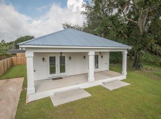 143 Pine Grove Ave Biloxi Ms 39531 Zillow Waterfront Homes Biloxi Zillow