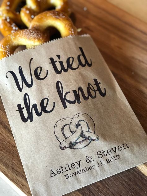 We tied the Knot Pretzel Bags Waxed Pretzel Bags Pretzel sleeves Wedding Snack Bags Wedding Favors Food Truck Bags set of 25 wedding food Food Truck Wedding, Wedding Snacks, Food Wedding Favors, Creative Wedding Favors, Inexpensive Wedding Favors, Wedding Reception Food, Wedding Favors For Guests, Wedding Catering, Bridal Shower Favors