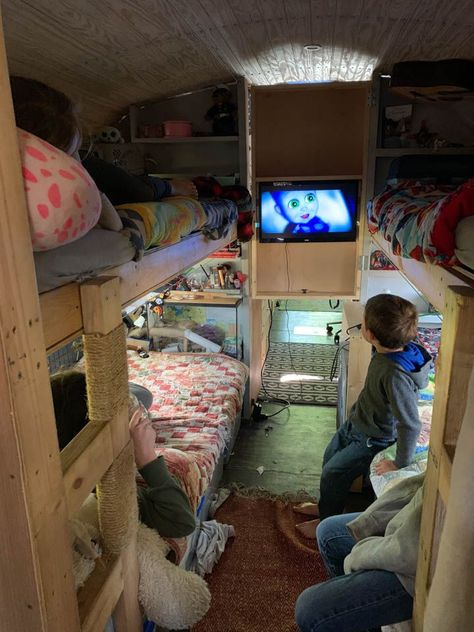 Living in a tiny home with a big family isn't hard. we think these three things are something to consider if you are going tiny with a big family. Tiny House For Big Family, Small House Plans, School Bus Tiny House, School Bus Camper, Big Family Organization, Motorhome, Bus Remodel, Tyni House, Kombi Home