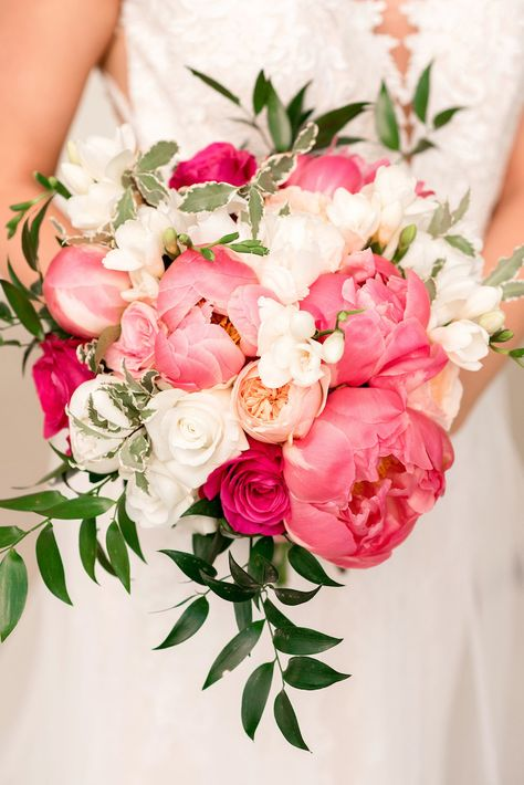 Gorgeous Peony Bouquets <br> Ruffly, lush and decadent - there's a reason peony wedding bouquets are one of the darlings of the wedding world. In fact, I've yet to meet a peony bouquet that I haven't fallen in lust with! Find inspiration for your White Peonies Bouquet, Peonies And Hydrangeas, Peony Bouquet Wedding, Spring Wedding Bouquets, Pink Bouquet, Pink Peonies, Floral Wedding, Peony Wedding Arrangements, Summer Wedding Flowers