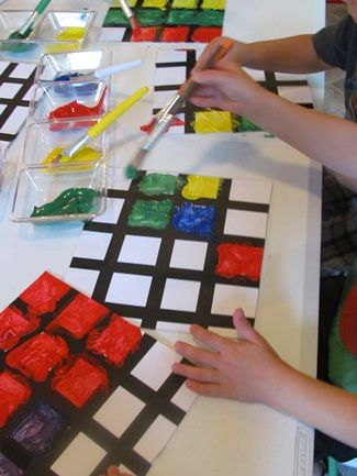 Painting up perfect squares (Piet Mondrian style) Painting perfect squares by Teach Preschool I think if we used paper tape for this, it'd be easy to peel up without tearing. This also might be a great use for our giant stack of craft cardboard circles. Preschool Art Projects, Preschool Crafts, Teach Preschool, Preschool Painting, Preschool Shapes, Preschool Artist Theme, Process Art Preschool, Shape Activities, Piet Mondrian