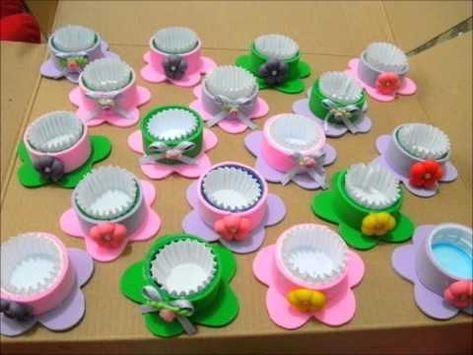 Cómo hacer hortensia de goma Eva para caja regalo-reciclaje CDs - YouTube