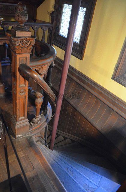 旧岩崎邸洋館の地下階段 岩崎 地下 洋館