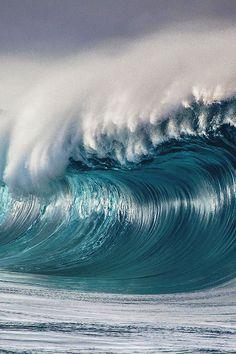 Ben Thouard Empty Wave Teahupoo LA MER Pinterest Surf - Incredible photographs of crashing ocean waves by ben thouard
