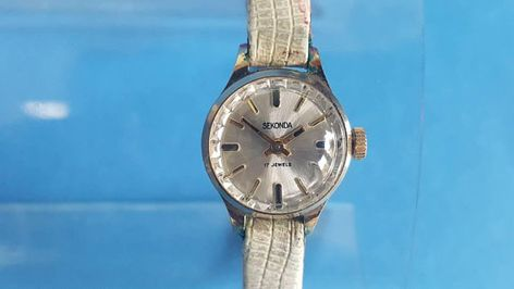 Soviet vintage SEKONDA wrist watch