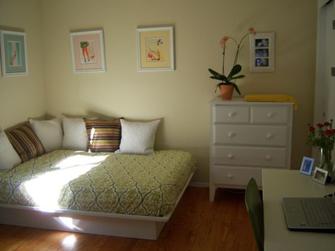 1000 ideas about double futon on pinterest futon bed for Media room guest bedroom