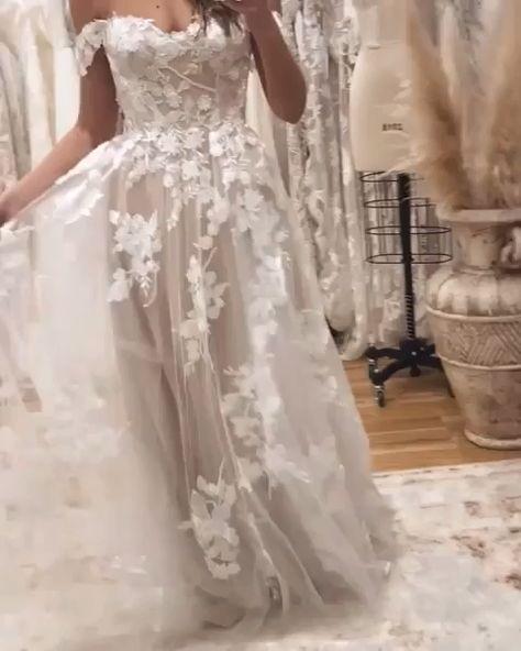 187 Best Bride Groom Images Bride Wedding Dresses Wedding Gowns