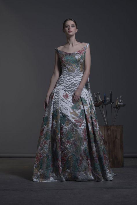 ecd0b5b10 207-VALLETRI - Colección Otoño Invierno 2016 17  vestidos  fiesta  moda   fashion  mujer  invitada  invitadaperfecta  madrina  dress