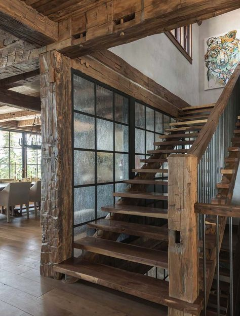 A rustic chic family hideaway in Big Sky: Freedom L .- Ein rustikal schickes Familienversteck in Big Sky: Freedom Lodge – Besten Haus Dekoration A rustic, chic family hideaway in Big Sky: Freedom Lodge - Rustic Home Design, Home Interior Design, Cabin Homes, Log Homes, Rustic Staircase, Staircase Ideas, Staircase Design, Architecture, My Dream Home