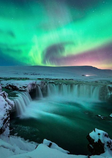 Godafoss Waterfall - Visit North Iceland Look at the beautiful Northern Lights dancing over Godafoss Northern Lights Holidays, Northern Lights Iceland, Aurora Borealis, Iceland Wallpaper, North Iceland, Aurora Iceland, Reykjavik Iceland, Iceland Travel Tips, Norway Travel