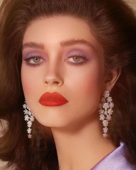 elegant eyeshadow color, red lip, fabulous earring and traditional hair style What's Makeup ? What is Makeup ? Yellow Makeup, Colorful Eye Makeup, Pink Makeup, Girls Makeup, Retro Makeup, Goth Makeup, Clown Makeup, Makeup Lips, 70s Disco Makeup