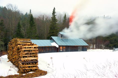 Northfield Vermont John H Knox Photographer This Is Connie Motyka S Sugar House Just Of I 89 At Exit 5 I Love The Old Wood Fired Su Old Wood Firewood Wood