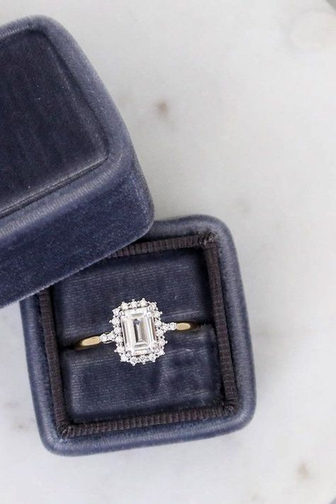 9 Most Popular Engagement Ring Designers ♥ Engagement ring designers manufacture beautiful jewelry for every style and taste. Each bride will choose her beautiful engagement ring. You can choose different rings that are delicate and unexpected with a true sense of timelessness. #wedding #bride #weddingforward #EngagementRing