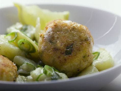 Fischpflanzerl mit porree kartoffel gemüse rezept fischpflanzerl