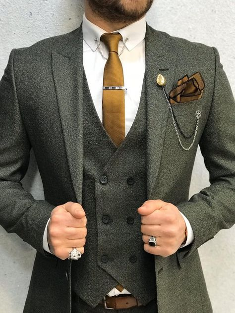Collection: Spring – Summer 2020 Product: Slim-Fit Wool Suit Color Code: Olive Green Size: Suit Material: wool, polyester Machine Washable: No Fitting: Slim-fit Package Include: Jacket, Vest, Pants Gifts: Chain, Flower and Neck Tie Boys Slim Fit Suits, Blue Slim Fit Suit, Black Suits, Green Suit Men, Olive Green Suit, Blue Green, Navy Blue, Costume Vert Olive, Mens Fashion Suits