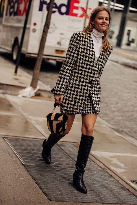 Street style, i migliori look dalla New York Fashion Week High Street Fashion, Fashion Week Paris, New York Fashion Week Street Style, Ny Fashion, Vogue Fashion, School Fashion, Urban Fashion, Autumn Fashion, Fashion Design
