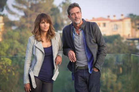 Season 2 of Extant premiered just last week with a few changes. At Comic-Con on Thursday, two of its stars — Halle Berry and Jeffrey Dean Morgan — and the.
