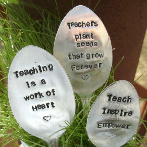 Stamped spoons from Whimsical Heart String Etsy shop > DIY linkki löytyy kuvan alta > Elisabeth Anne Designs