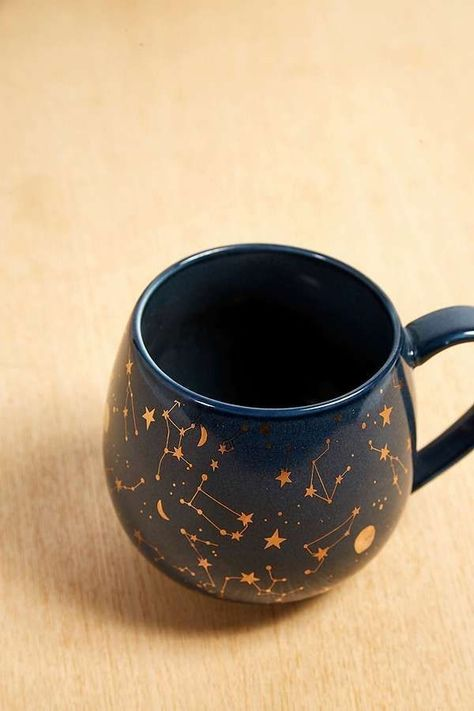 Constellation Mug | Are you looking for affordable wedding favors or party favors for your wedding or shower or party with a night sky / celestial / constellation theme? You can gift these adorable coffee mugs or DIY them too!
