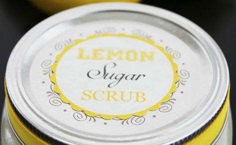 Quick & Easy DIY Lemon Sugar Scrub recipe, another addition in the DIY Beauty Recipes series. Instructions included and free printables to make as gifts
