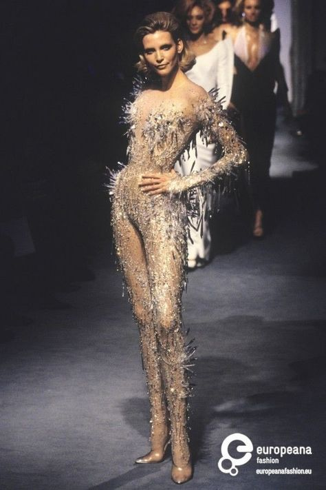 Nadja Auermann in Thierry Mugler, Spring-Summer 1998 Couture