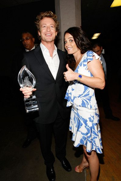 Simon Baker Photo - Annual People's Choice Awards with The Mentalist's co-star Robin Tunney