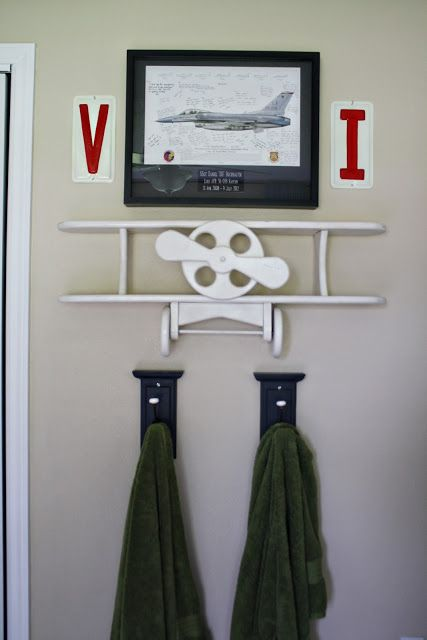 boys room, pretty cool plane decor