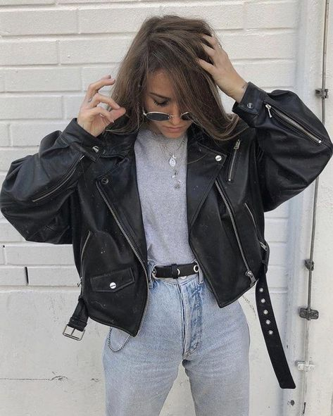 Cropped Leather Jacket, Leather Jacket Outfits, Vintage Leather Jacket, Leather Jackets, Biker Leather, Mode Outfits, Winter Outfits, Casual Outfits, Summer Outfits