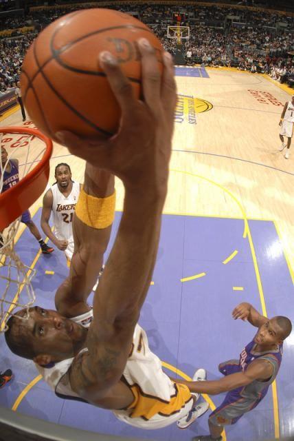 Kobe Reverse Dunk Fullj Getty Suns Lakers 7 35 51 Pm Jpg Kobe Bryant Black Mamba Kobe Lakers