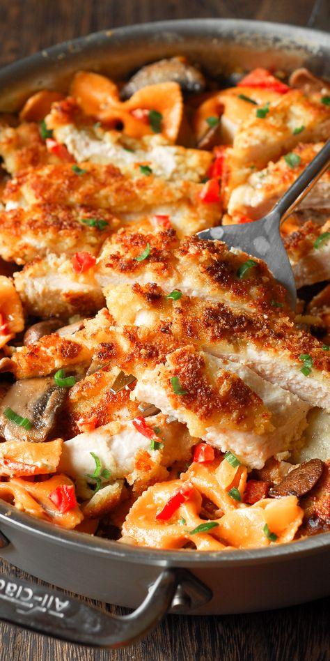 Louisiana Chicken Pasta, Cajun Chicken Pasta, Onion Chicken, Cajun Chicken Recipes, Bow Tie Chicken Pasta, Chicken Recipes For Lunch, Butter Chicken Lasagna, Chicken Bell Pepper Recipes, Al Dente